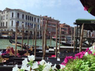 ベネチア リアルト橋の近く