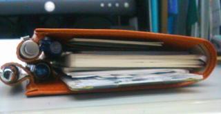 オレンジ革の手帳カバー