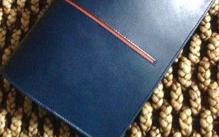 途中留めラインのノートカバー