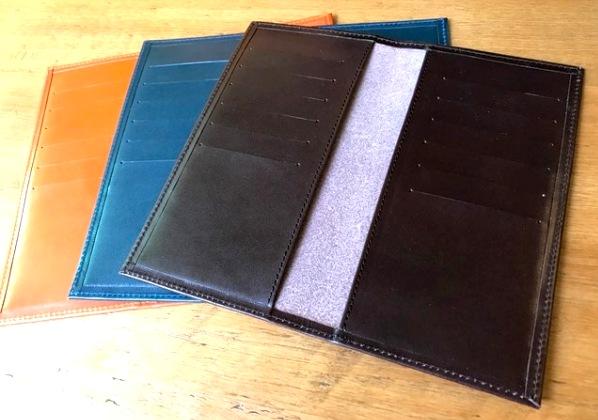 革のカードケース 長財布型
